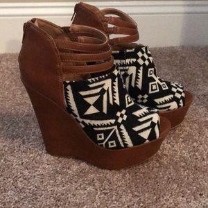 Aztec Print Shoe